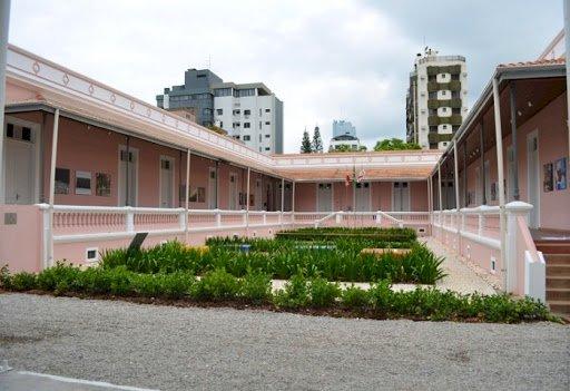 Escola Livre de Artes