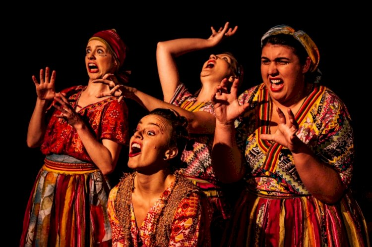 Escolas públicas recebem espetáculo teatral